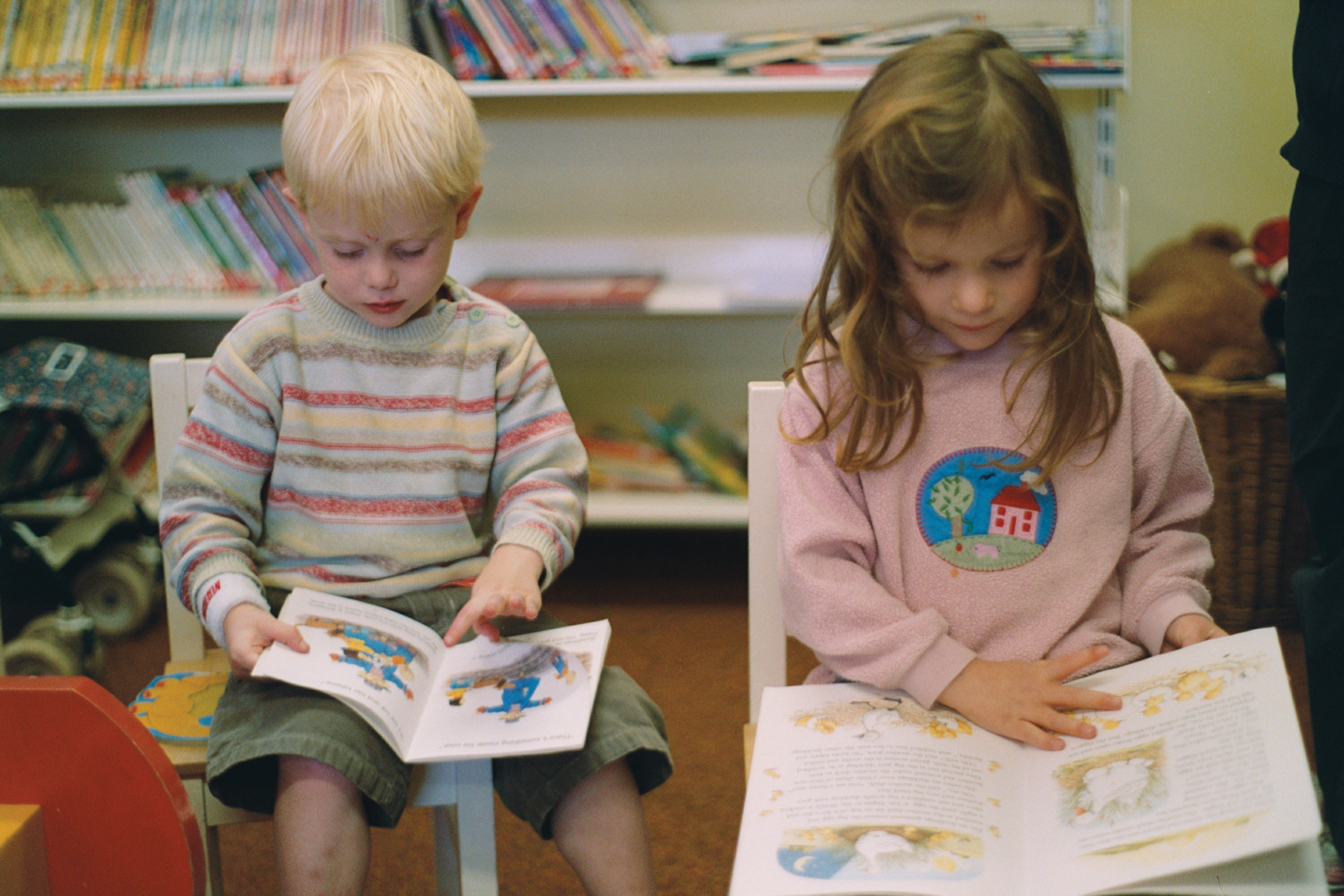 children say going to the library encourages them to read